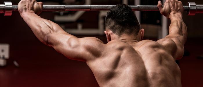 Izolované cviky na zadní část ramen