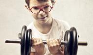 Mýtus: Když budete v mládí zvedat činky, nevyrostete