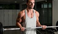 Cviky na bicepsy s velkou činkou