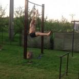 l sit hanging